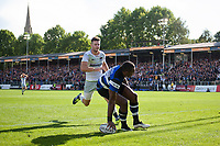 Semesa Rokoduguni of Bath Rugby scores his second try of the match. Aviva Premiership match, between Bath Rugby and Saracens on September 9, 2017 at the Recreation Ground in Bath, England. Photo by: Patrick Khachfe / Onside Images