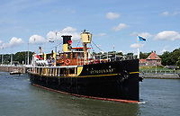 Nederland  Amsterdam 2019.  Hydrograaf.  De Hydrograaf is in 1910 als stoomschip gebouwd te Rotterdam als opnemingsvaartuig voor de Hydrografische Dienst. Het was het laatste kolengestookte schip van de Koninklijke Marine. Tegenwoordig doet het schip o.a. dienst als Pakjesboot 12 van Sinterklaas.   Foto Berlinda van Dam / Hollandse Hoogte
