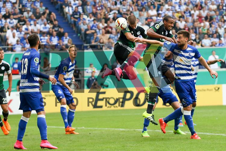 Schalkes Matija Nastasic (Nr.31) mit dem Kopfballtor beim Spiel des DFB Pokal MSV Duisburg - Schalke 04.<br /> <br /> Foto &copy; P-I-X.org *** Foto ist honorarpflichtig! *** Auf Anfrage in hoeherer Qualitaet/Aufloesung. Belegexemplar erbeten. Veroeffentlichung ausschliesslich fuer journalistisch-publizistische Zwecke. For editorial use only.