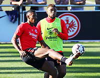 Sebastien Haller (Eintracht Frankfurt) gegen Simon Falette (Eintracht Frankfurt) - 10.10.2018: Eintracht Frankfurt Training, Commerzbank Arena, DISCLAIMER: DFL regulations prohibit any use of photographs as image sequences and/or quasi-video.