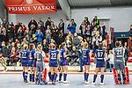 Die Spielerinnen bedanken sich bei den Fans  beim Spiel der Hockey Bundesliga Damen, TSV Mannheim (hell) - Mannheimer HC (dunkel).<br /> <br /> Foto © PIX-Sportfotos *** Foto ist honorarpflichtig! *** Auf Anfrage in hoeherer Qualitaet/Aufloesung. Belegexemplar erbeten. Veroeffentlichung ausschliesslich fuer journalistisch-publizistische Zwecke. For editorial use only.