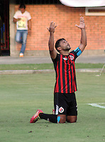 CUCUTA - COLOMBIA -21-02-2015: Gerardo Bedoya, jugador de Cucuta Deportivo, celebra el gol anotado al Boyaca Chico FC, durante  partido Cucuta Deportivo y Boyaca Chico FC, por la fecha 5 de la Liga de Aguila I 2015 en el estadio General Santander en la ciudad de Cucuta / Gerardo Bedoya, player of Cucuta Deportivo, celebrates a scored goal to Boyaca Chico FC, during a match Cucuta Deportivo and Boyaca Chico FC, for date 5 of the Liga de Aguila I 2015 at General Santander stadium in Cucuta city. Photo: VizzorImage  / Manuel Hernandez / Str.