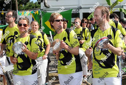 2011-05-22 / Seizoen 2010-2011 / Voetbal / Samba Voetbal in Heikant / Deze brassband zorgt voor Braziliaanse vibes..Foto: mpics