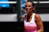 RIO DE JANEIRO, RJ, 19.02.2015 - RIO OPEN 2015 - A tenista italiana Roberta Vinci, em jogo contra a paraguaia Veronica Cepede Royg, válido pela segunda rodada do torneio internacional de tênis Rio Open 2015, na manhã desta quinta-feira, 19. O torneio realiza-se de 16 a 22 de fevereiro, no Jockey Club Brasileiro, zona sul da cidade. (Foto: Gustavo Serebrenick / Brazil Photo Press)