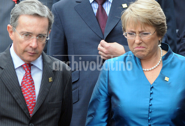 Alvaro Uribe, president Colombia, and Michelle Bachelet, president of Chile , during  the Fifth Summit of Latin America, the Caribbean and the European Union in    Lima, Peru,