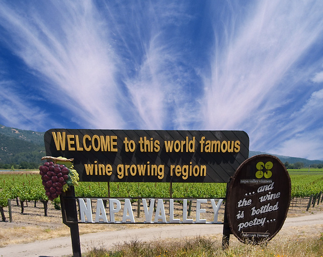Sign welcomes visitors to Napa Valley
