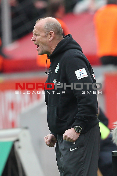 27.04.2013, BayArena, Leverkusen, GER, 1. FBL, Bayer 04 Leverkusen vs SV Werder Bremen, im Bild<br /> Thomas Schaaf (Trainer Bremen)<br /> <br /> Foto &copy; nph / Mueller