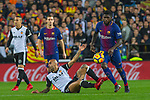 Samuel Umtiti of FC Barcelona competes for the ball with Rodrigo Moreno of Valencia CF, during the La Liga 2017-18 match between Valencia CF and FC Barcelona at Estadio de Mestalla on November 26 2017 in Valencia, Spain. Photo by Maria Jose Segovia Carmona / Power Sport Images