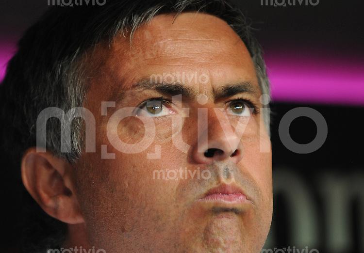 Fussball International  Vorbereitungsspiel FC Bayern Muenchen - Inter Mailand Jose Mourinho (Trainer Mailand) mit Blick nach oben