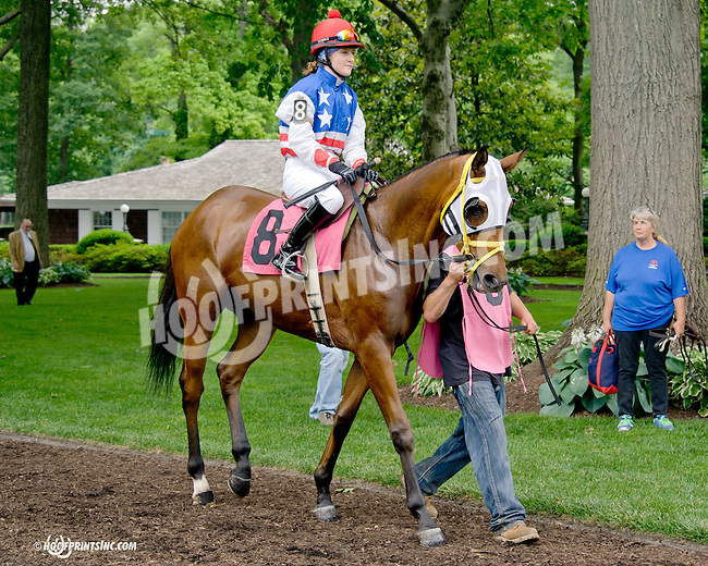 Mr. Fahrenheit with Anna Carrow before The International Ladies Fegentri  at Delaware Park racetrack on 6/9/14