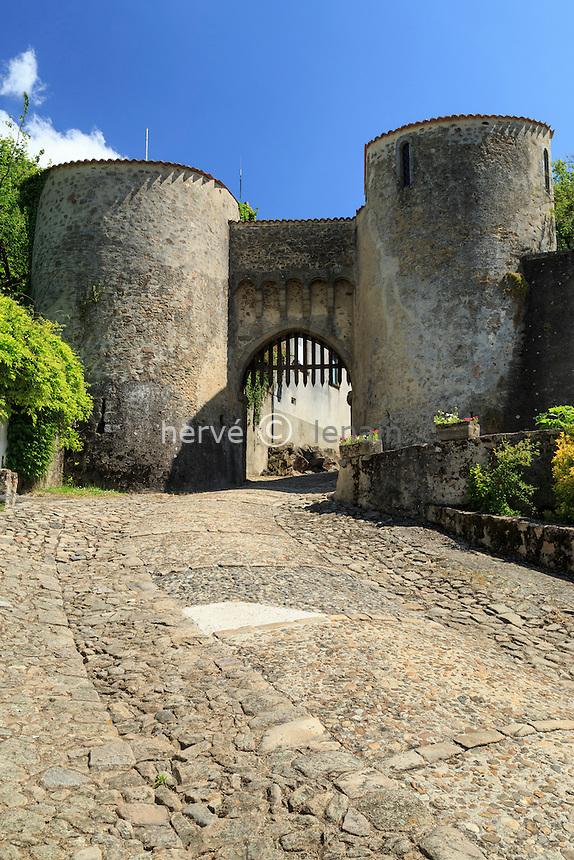 France, Haute-Vienne (87), le Dorat, la porte Bergère // France, Haute Vienne, le Dorat, Bergere door