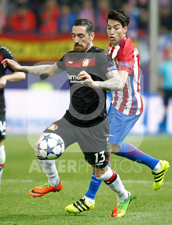 Atletico de Madrid's Nicolas Gaitan (r) and Bayer 04 Leverkusen's Roberto Hilbert during Champions League 2016/2017 Round of 16 2nd leg match. March 15,2017. (ALTERPHOTOS/Acero)