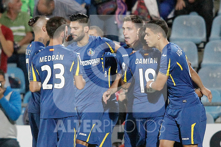 Getafe's players celebrate goal during La Liga match.September 18,2015. (ALTERPHOTOS/Acero)