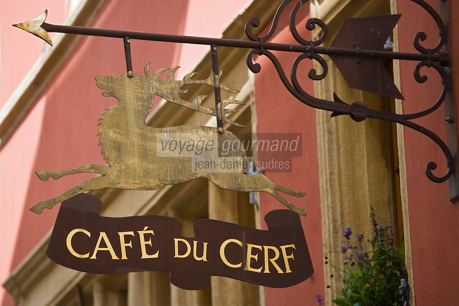 Europe/Suisse/Jura Suisse/ Neuchâtel: Enseigne du Café du Cerf
