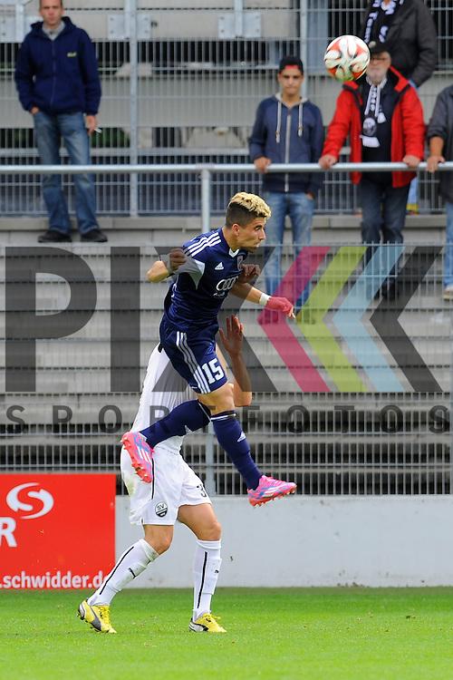 Ingolstadts Danilo Soares (Nr.15) gegen Sandhausens Marc Pfertzel (Nr.34)  im Spiel SV Sandhausen - FC Ingolstadt 04.<br /> <br /> Foto &copy; P-I-X.org *** Foto ist honorarpflichtig! *** Auf Anfrage in hoeherer Qualitaet/Aufloesung. Belegexemplar erbeten. Veroeffentlichung ausschliesslich fuer journalistisch-publizistische Zwecke. For editorial use only.