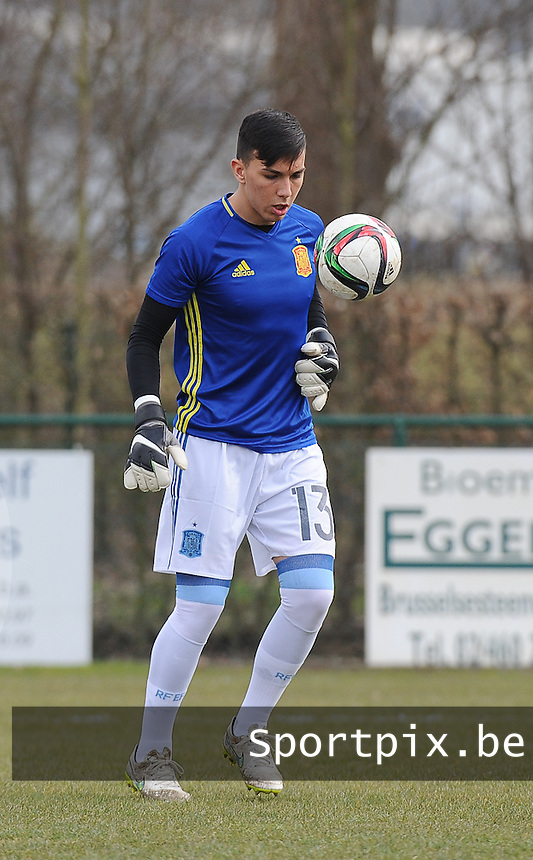 20160316 - Merchtem , BELGIUM : Spanish Adrian Lopez Garrote pictured during the soccer match between the under 17 teams of  Belgium and Spain , on the third and last matchday in group 8 of the UEFA Under17 Elite rounds at FC Merchtem 2000 stadion in Merchtem , Belgium. Wednesday 16 th March 2016 . PHOTO DAVID CATRY