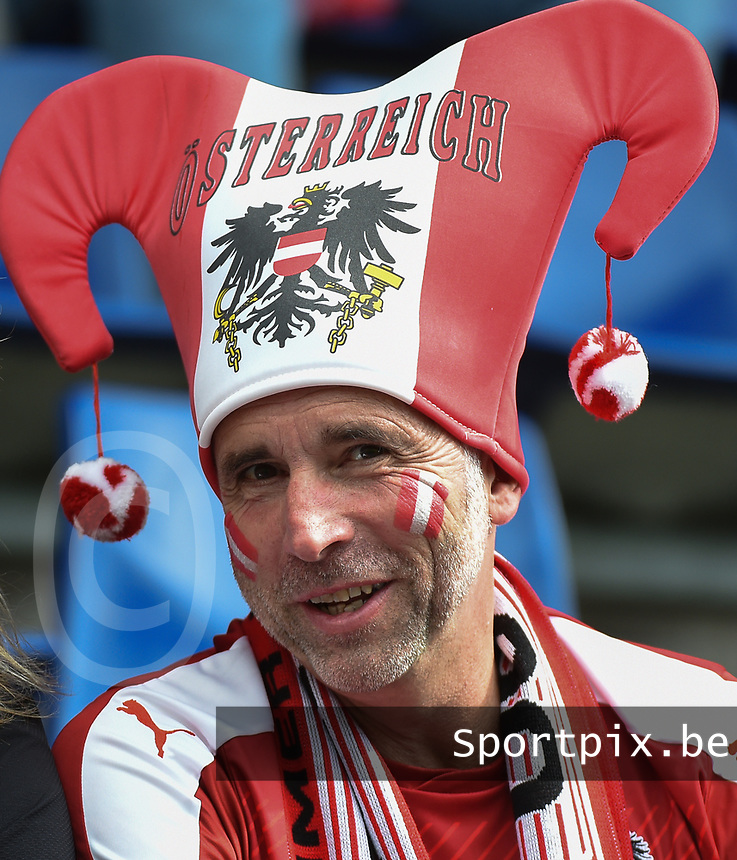 20170803 - BREDA , NETHERLANDS : Illustration shows Austrian fans  fans pictured during the female soccer game between Denmark and Austria  , the semi final at the Women's Euro 2017 , European Championship in The Netherlands 2017 , Thursday 3th of August 2017 at Stadion Rat Verlegh in Breda , The Netherlands PHOTO SPORTPIX.BE | DIRK VUYLSTEKE