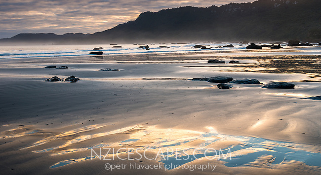 Sunrise at Woodpacker Bay near Punakaiki, Paparoa National Park, Buller Region, West Coast, New Zealand, NZ