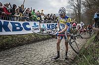 chain issues for Benjamin Declercq (BEL/Sport Vlaanderen-Baloise) up the Koppenberg. <br /> <br /> 102nd Ronde van Vlaanderen 2018<br /> 1day race: Antwerp › Oudenaarde - BEL (265k)