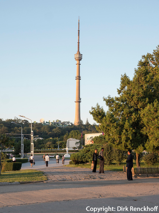 Fernsehturm in Pyongyang, Nordkorea, Asien<br /> TV-Tower in Pyongyang, North Korea, Asia