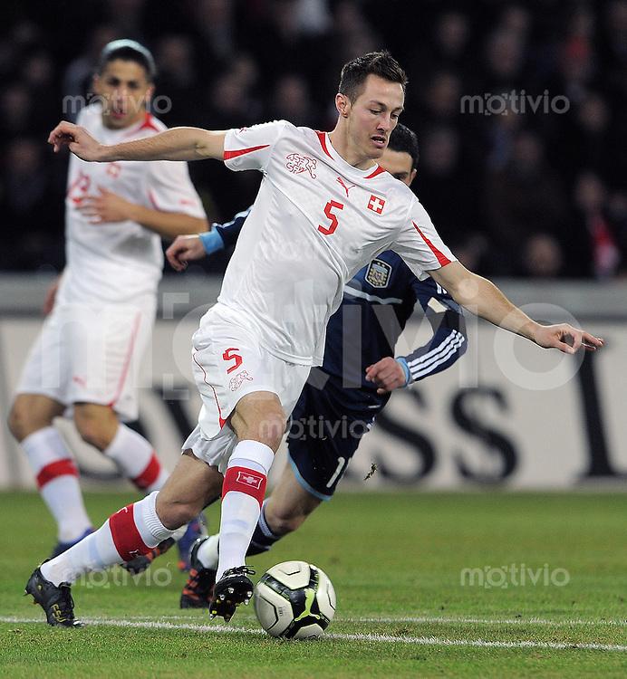 FUSSBALL INTERNATIONAL   Freundschaftsspiel  29.02.2012 Schweiz - Argentinien Francois Affolter (Schweiz) am Ball