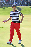 Kevin Kisner (USA) heads to 15 during round 4 Singles of the 2017 President's Cup, Liberty National Golf Club, Jersey City, New Jersey, USA. 10/1/2017. <br /> Picture: Golffile | Ken Murray<br /> <br /> All photo usage must carry mandatory copyright credit (&copy; Golffile | Ken Murray)