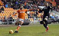 Blackpool's Liam Feeney under pressure from Barnsley's Daniel Pinillos<br /> <br /> Photographer Rich Linley/CameraSport<br /> <br /> The EFL Sky Bet League One - Blackpool v Barnsley - Saturday 22nd December 2018 - Bloomfield Road - Blackpool<br /> <br /> World Copyright &copy; 2018 CameraSport. All rights reserved. 43 Linden Ave. Countesthorpe. Leicester. England. LE8 5PG - Tel: +44 (0) 116 277 4147 - admin@camerasport.com - www.camerasport.com