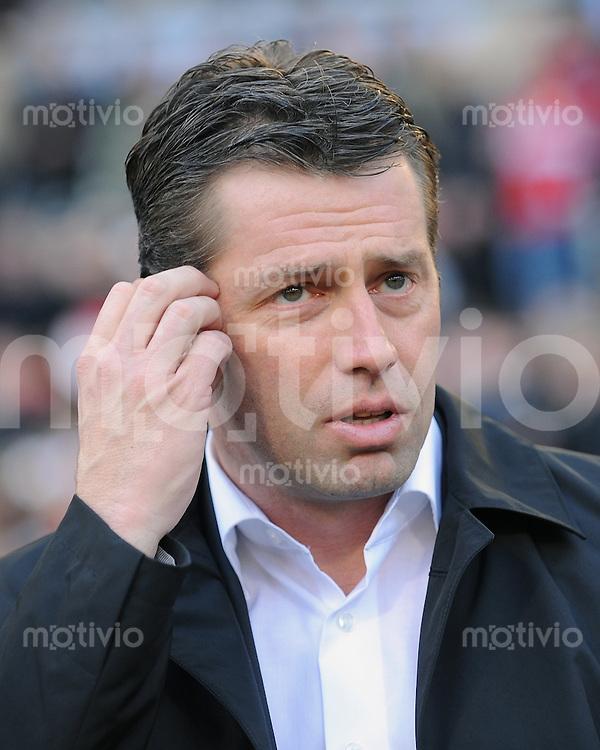 FUSSBALL  1. BUNDESLIGA  SAISON 2009/2010   24. Spieltag   27.02.2010 VfB Stuttgart - Eintracht Frankfurt Eintracht-Trainer Michael Skibbe