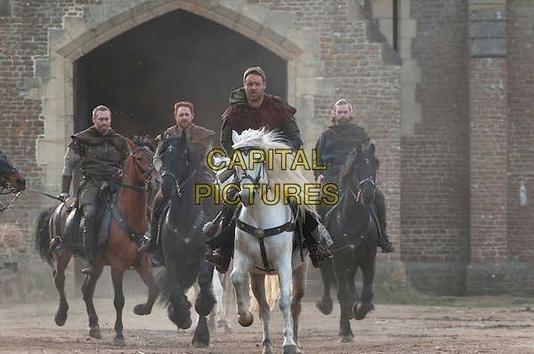 KEVIN DURAND, SCOTT GRIMES, RUSSELL CROWE & ALAN DOYLE.in Robin Hood (2010) .*Filmstill - Editorial Use Only*.CAP/FB.Supplied by Capital Pictures.
