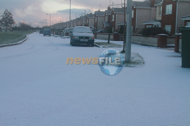 Pictures of Snow and Ice in the Housing estates around drogheda..Photo: Fran Caffrey/ Newsfile.ie..