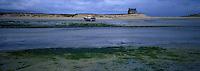 Europe/France/Bretagne/29/Finistère/Env de Goulven : Baie de Kernic et dunes de Keremma, Maison de Keremma de l'anse de Kernic à marée basse,