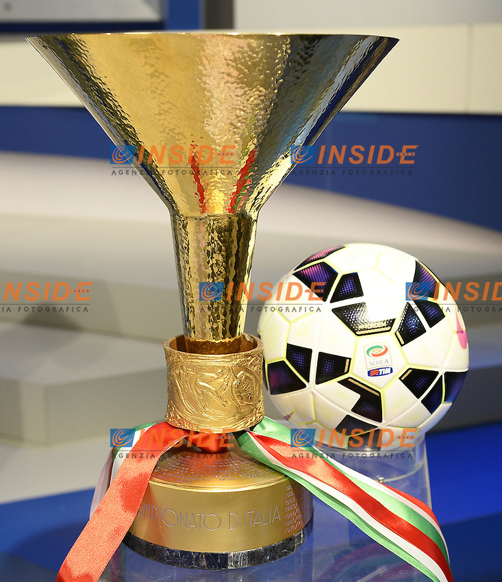 Milano 28/07/2014 - presentazione calendari serie A stagione 2014-2015 / foto Daniele Buffa/Image Sport/Insidefoto<br /> nella foto: coppa campionato pallone