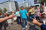 24.4.2015, Berlin. Israeltag auf dem Wittenbergplatz in Berlin