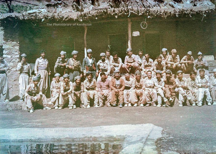 Iraq 1980 <br /> In Zahle, a group of peshmergas, 6 th from right, Kemal Khoshnaw <br /> Irak 1980 <br /> A Zahle, 1er rang, 6 eme a droite, Kemal Khoshnaw
