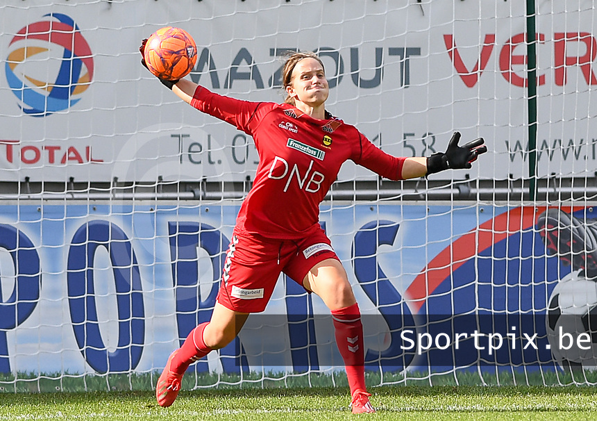 20190813 - DENDERLEEUW, BELGIUM : LSK's goalkeeper Ida Norstrom pictured during the female soccer game between the Greek PAOK Thessaloniki Ladies FC and the Norwegian LSK Kvinner Fotballklubb Ladies , the third and final game for both teams in the Uefa Womens Champions League Qualifying round in group 8 , Tuesday 13 th August 2019 at the Van Roy Stadium in Denderleeuw  , Belgium  .  PHOTO SPORTPIX.BE for NTB | DAVID CATRY