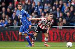 Nederland, Eindhoven, 14 april 2012.Eredivisie .Seizoen 2011-2012.PSV-AZ.Adam Maher (l.) van AZ en Dries Mertens (r.) van PSV strijden om de bal