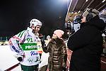 Stockholm 2014-03-05 Bandy SM-semifinal 3 Hammarby IF - V&auml;ster&aring;s SK :  <br /> V&auml;ster&aring;s Johan Esplund ser nedst&auml;md ut n&auml;r han intervjuas av TV4 programledare Marika Eriksson efter matchen<br /> (Foto: Kenta J&ouml;nsson) Nyckelord:  VSK Bajen HIF depp besviken besvikelse sorg ledsen deppig nedst&auml;md uppgiven sad disappointment disappointed dejected TV intervju