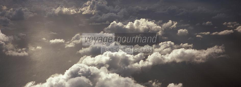 Iles Bahamas /Ile de Long Island: en avion au dessus des Bahamas et de l'ocan Atlantique -Vue aérienne