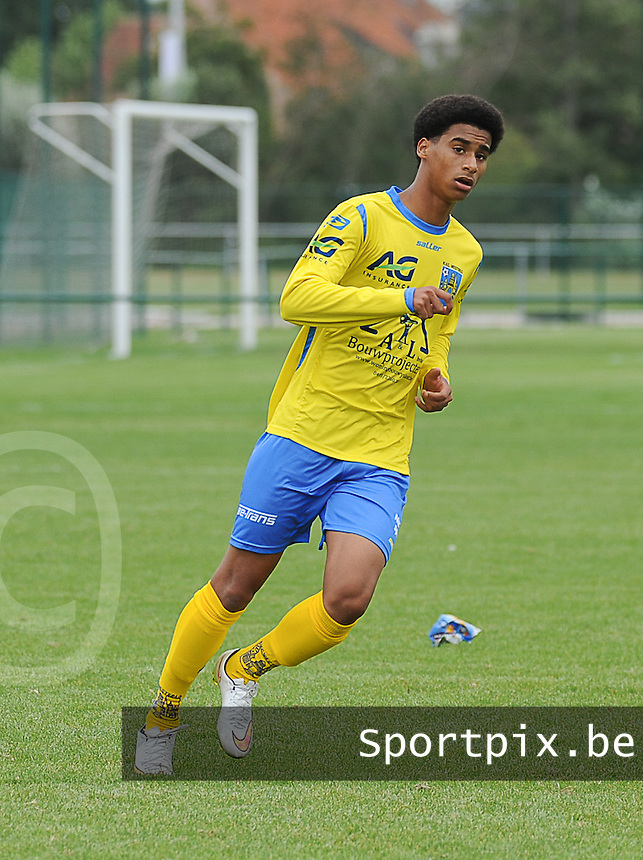 20150905 - WAREGEM , BELGIUM : Westerlo 's Ivan Rosario Paulino pictured during the Under 19 ELITE soccer match between SV Zulte Waregem and KVC Westerlo U19 , on the fourth matchday in the -19 Elite competition. Wednesday 5 September 2015. PHOTO DAVID CATRY
