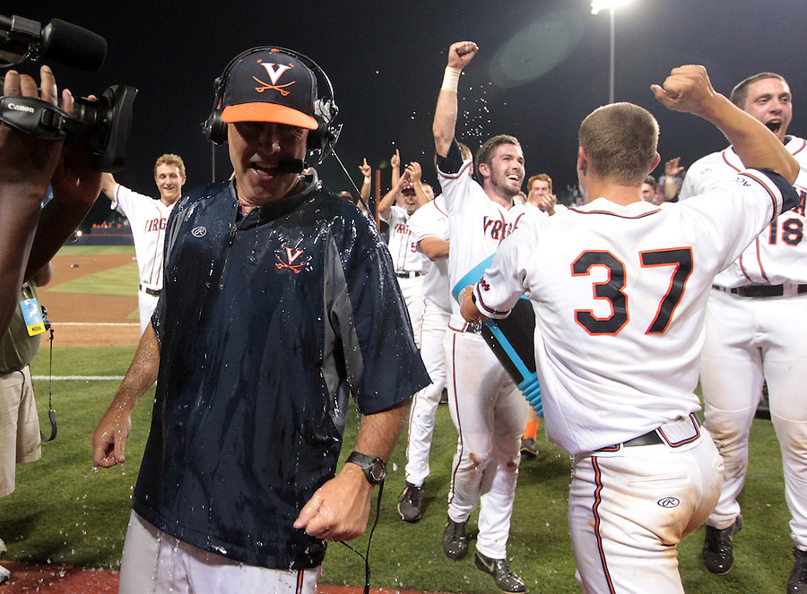 Virginia defeated Maryland 11-2 in game 3 of the super regionals June 8, 2014 in Charlottesville, VA. Photo/Andrew Shurtleff