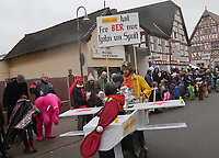 """""""Mer Soins"""" kommen als Flugzeuge und thematisieren den BER - Büttelborn 11.02.2018: Rosensonntagsumzug der BCA"""