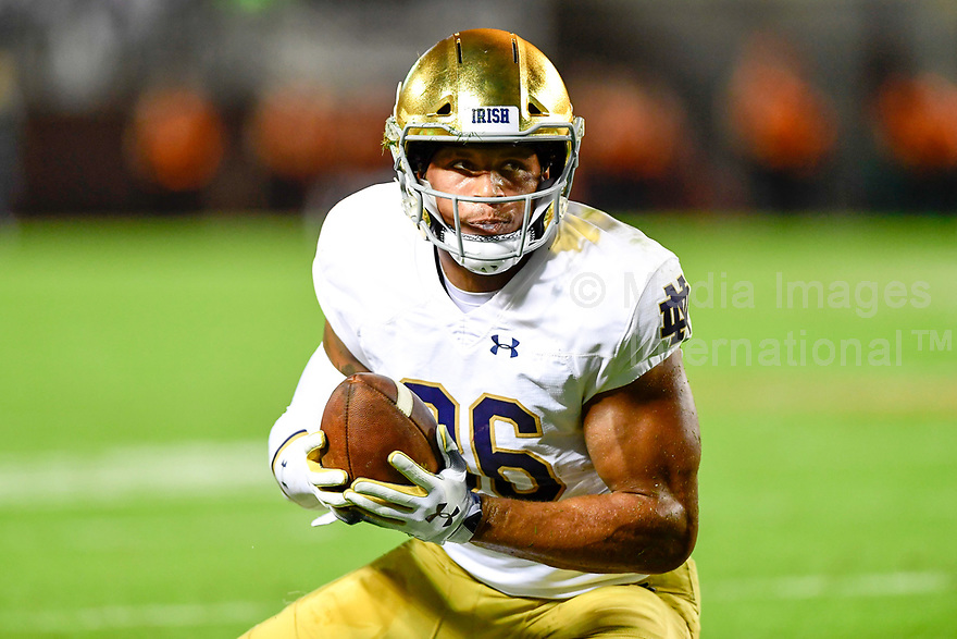Blacksburg, VA - OCT 6, 2018: Notre Dame Fighting Irish tight end Alize Mack (86) runs the football during game between Notre Dame and Virginia Tech at Lane Stadium/Worsham Field Blacksburg, VA. (Photo by Phil Peters/Media Images International)