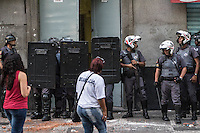 SAO PAULO, SP, 07.10.2015. - CRIME-SP - Policias cumprem mandato de reintegração de posse no centro de São Paulo nesta quarta-feira, 07. (Foto: Marcelo Brammer/Brazil Photo Press)