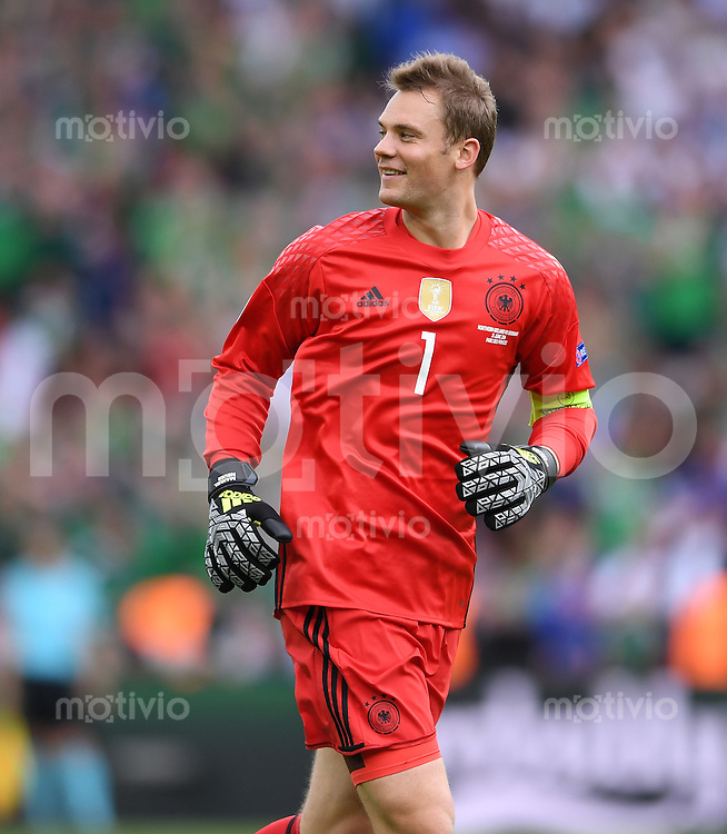 FUSSBALL EURO 2016 GRUPPE C IN PARIS Nordirland - Deutschland     21.06.2016 Torwart Manuel Neuer (Deutschland) freut sich nach dem 0:1