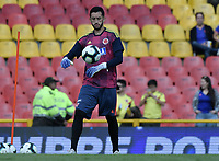 BOGOTA - COLOMBIA, 03-06-2019: Camilo Vargas arquero de Colombia calienta previo al partido amistoso entre Colombia y Panamá jugado en el estadio El Campín en Bogotá, Colombia. / Camilo Vargas, goalkeeper of Colombia, warms up prior a friendly match between Colombia and Panama played at Estadio El Campin in Bogota, Colombia. Photo: VizzorImage/ Gabriel Aponte / Staff