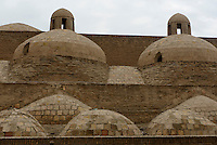 Kuppeln des Hamam in der Altstadt Ichan Qala, Chiwa, Usbekistan, Asien, UNESCO-Weltkulturerbe<br /> domes of the hamam in the  hitoric city Ichan Qala, Chiwa, Uzbekistan, Asia, UNESCO heritage site