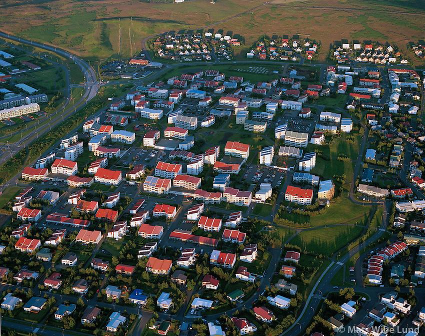 Seljahverfið, Breiðholt, Reykjav'k, kl  22.45 /.Seljahverfid, Breidholt, Reykjavik, 22.45 hours