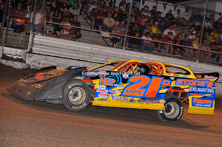 Feb 20, 2014; 7:00:36 PM;  Barberville, FL, USA;  World of Outlaws Late Model Series for 43rd Annual DIRTcar Nationals presented by Summit Racing Equipment at Volusia Speedway Park.  Mandatory Credit: (thesportswire.net)
