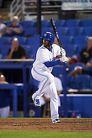 Dunedin Blue Jays shortstop Richard Urena (5) at bat during a game against the Palm Beach Cardinals on April 15, 2016 at Florida Auto Exchange Stadium in Dunedin, Florida.  Dunedin defeated Palm Beach 8-7 in ten innings.  (Mike Janes/Four Seam Images)