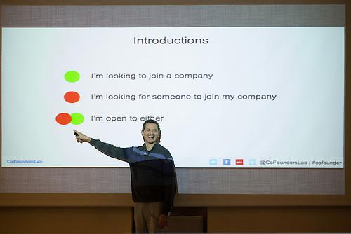 tel Aviv, Israel, Jan 2014. Un meetup, ou les entrepreneurs presentent des idees a de potentiels acheteurs.
